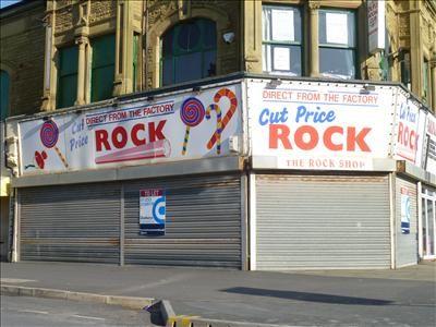 Retail premises to let in 98 - 100, Bond Street, Blackpool, Lancashire