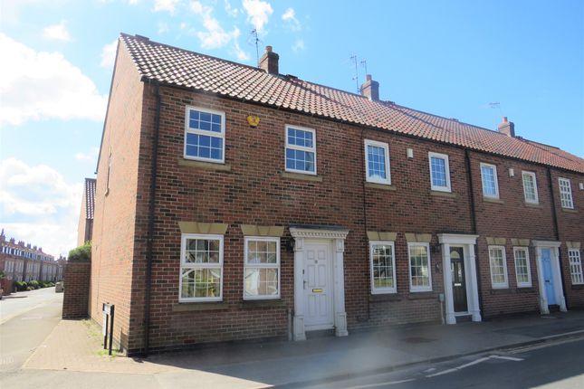3 bed end terrace house for sale in Keldgate, Beverley HU17