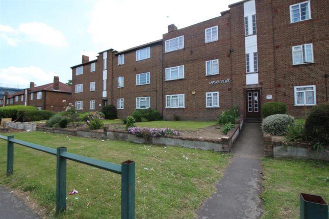 Thumbnail Flat for sale in Hoe Lane, Enfield
