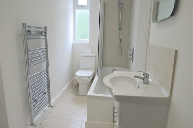 Thumbnail Flat for sale in Queens Road, Watford, Hertfordshire