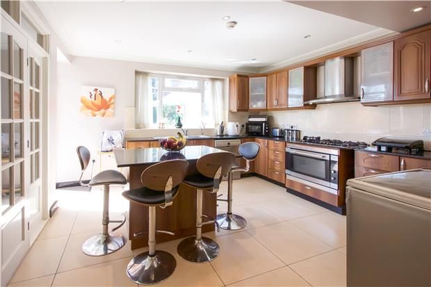 Thumbnail Semi-detached house for sale in Springfield Gardens, London