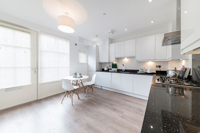 2 bedroom town house for sale in Mcgrath Road, Stratford, London