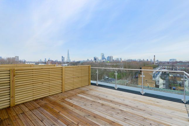 Thumbnail Duplex for sale in Southwark Park Road, London