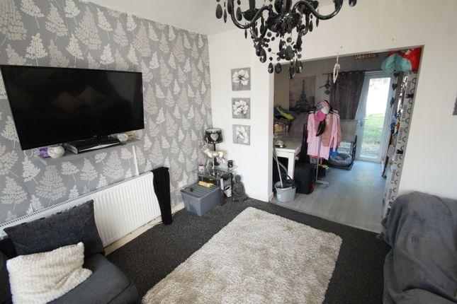 Image: 2 of Moray Road, Chadderton, Oldham OL9