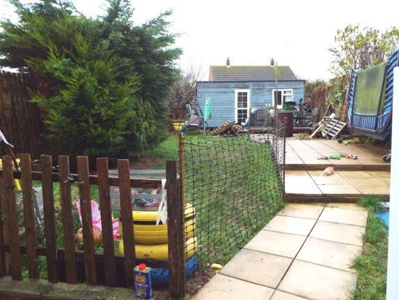 Garden of Berry Close, Newport PO30