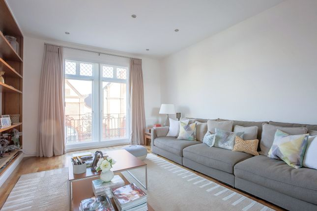 Thumbnail Flat for sale in Shelley Court, 56 Tite Street, London