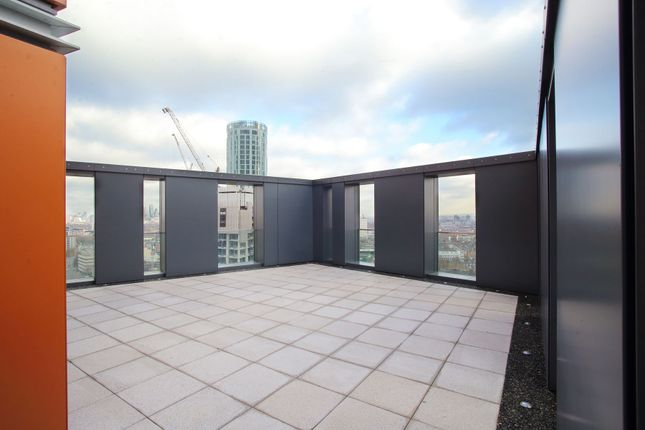 Thumbnail Flat to rent in Nine Elms Point, Haydn Tower, London