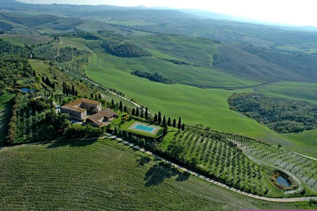 Thumbnail Farmhouse for sale in Cosona, San Quirico D'orcia, Siena, Tuscany, Italy