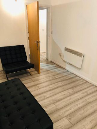 Flat for sale in Mill Street, Slough