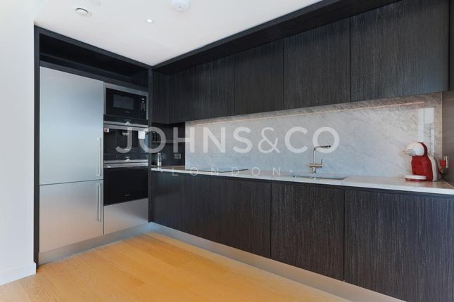 2 bed flat to rent in Biscayne Avenue, London