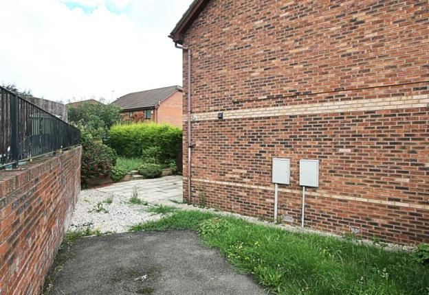 Picture No.12 of Hawthorn Road, Eckington, Sheffield S21