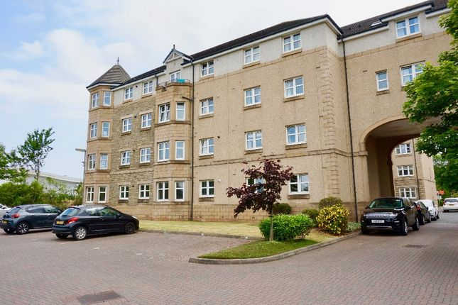 Thumbnail Flat to rent in Meadow Place Road, Edinburgh