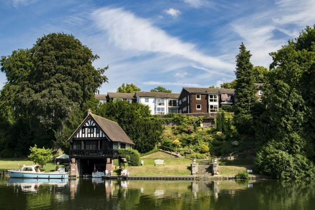 Thumbnail Flat for sale in Cariad Court, Cleeve Road, Goring-On-Thames