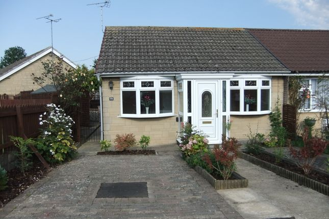 2 bed bungalow for sale in Meadowcroft, Swindon