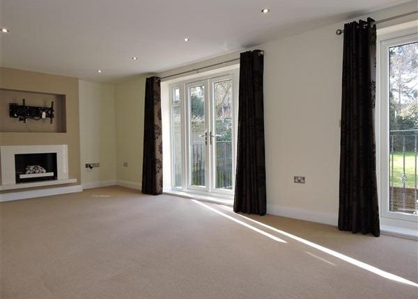Thumbnail Detached house to rent in Beechwood Avenue, Chorleywood, Rickmansworth