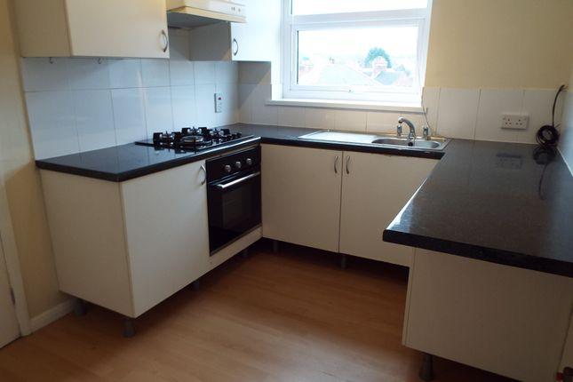 2 bed flat to rent in Newbridge Court, Newbridge Hill, Louth LN11
