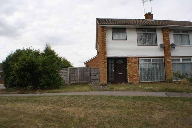 Thumbnail Property to rent in Colemans Moor Road, Woodley, Reading