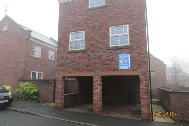 Thumbnail Detached house to rent in Woodland View, Hyde