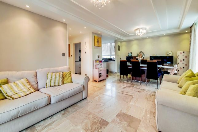 2 bed flat for sale in Kingsmere Court, Salmon Street, London NW9