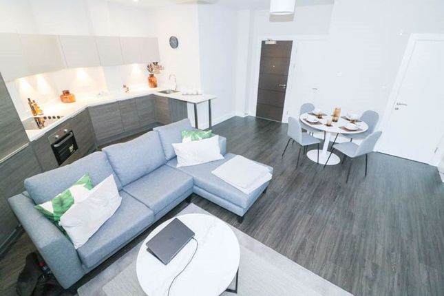 Thumbnail Flat to rent in Dawson Square, Pudsey