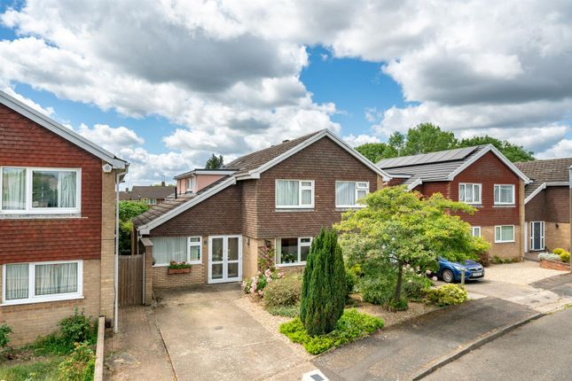 Thumbnail Detached house for sale in Acrewood, Adeyfield, Hemel Hempstead, Hertfordshire