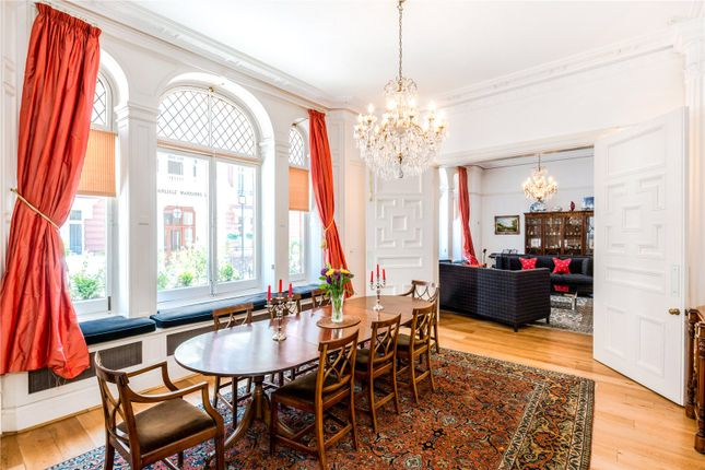 Thumbnail Flat for sale in Carlisle Mansions, Carlisle Place, London