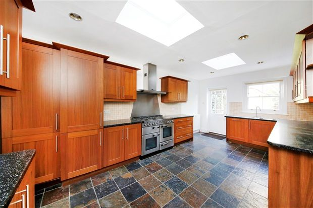 Thumbnail Property to rent in Winterbrook Road, London
