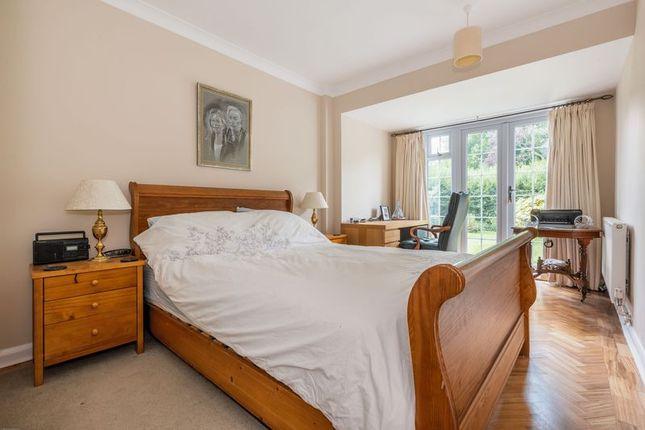 Photo 2 of Howard Close, West Horsley, Leatherhead KT24