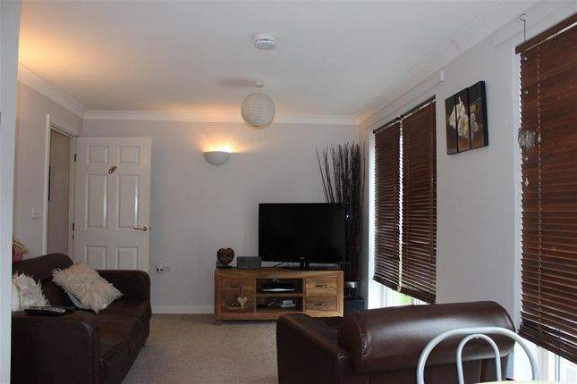 Thumbnail Flat to rent in St. Andrews Road, Croydon