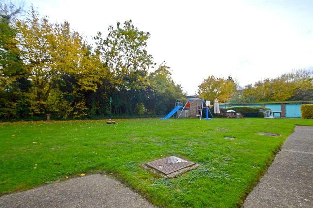 Picture No. 10 of Edgecumbe Court, Ashburton Road, Croydon CR0