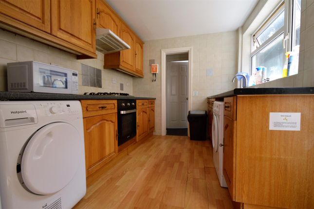 Thumbnail Property to rent in Cornwall Road, Gillingham