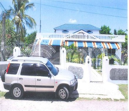 Town house for sale in Lot 7, May Pen, Clarendon, Jamaica