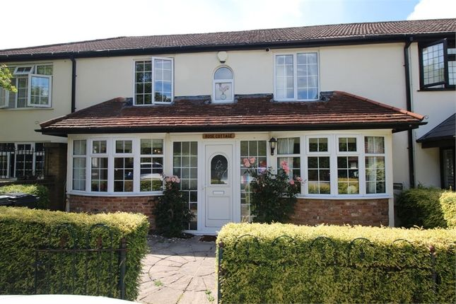 Thumbnail Cottage for sale in Pynest Green Lane, Waltham Abbey, Essex