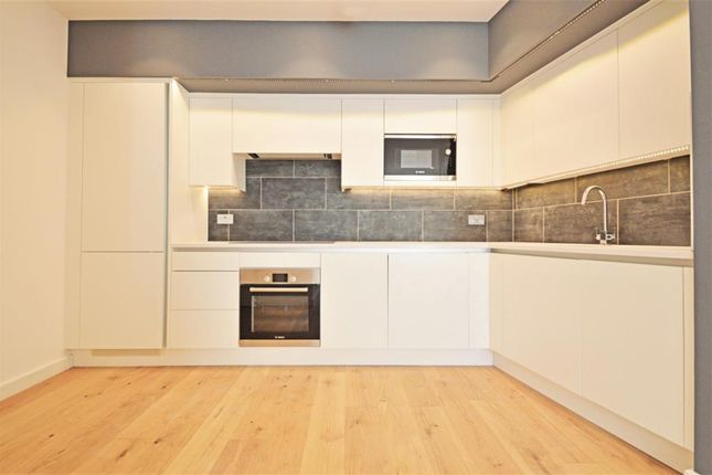 Thumbnail Flat for sale in Andre Street, London
