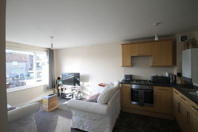 Thumbnail Flat to rent in Lower Furlongs, Brading, Sandown