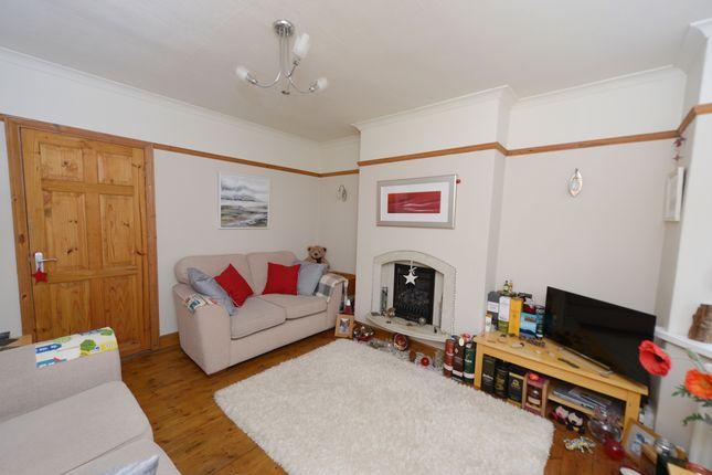 Lounge of Brookbank Avenue, Brockwell, Chesterfield S40