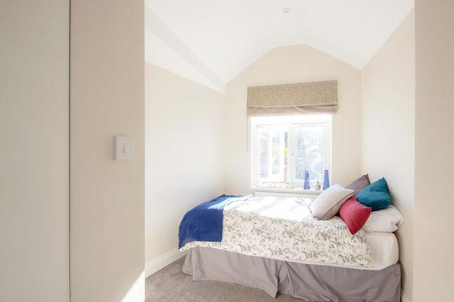 Thumbnail Room to rent in Room 1, Lexden Road