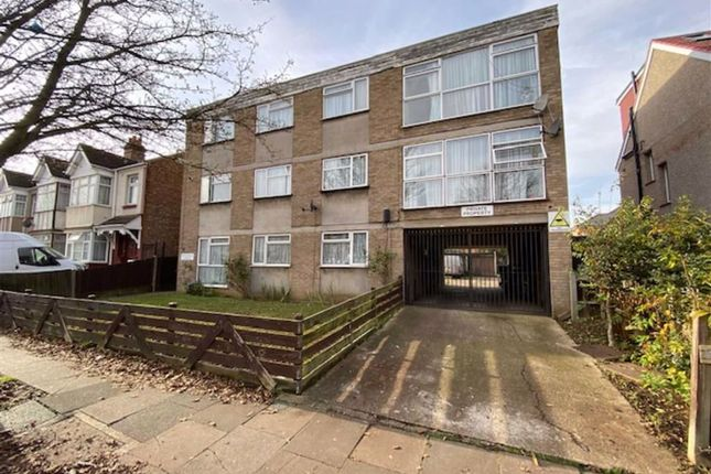 1 bed flat for sale in Phonecia Lodge, Southall, Middlesex UB1
