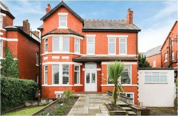 Thumbnail Property for sale in Promenade, Southport