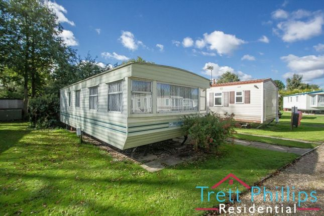 Thumbnail Detached bungalow for sale in Bridge Road, Potter Heigham, Great Yarmouth