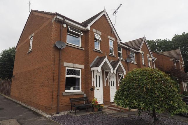 2 bed semi-detached house to rent in Hellyers Court, Hull HU4