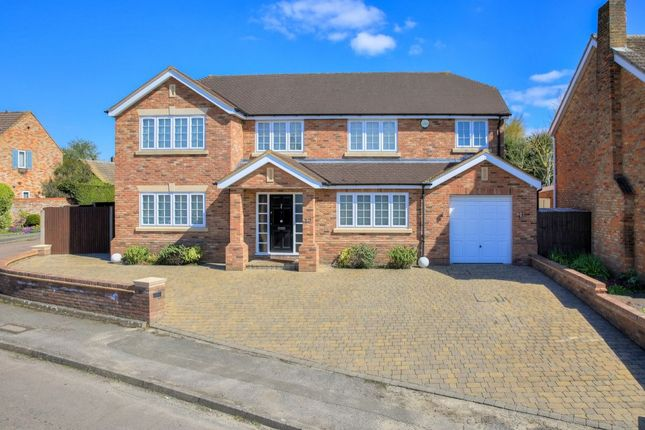 Thumbnail Detached house for sale in Farringford Close, St. Albans