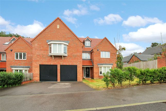 Thumbnail Detached house for sale in Wellswood Gardens, Reading