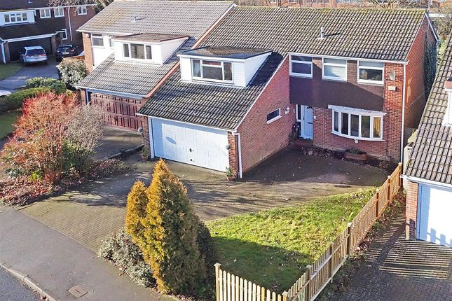 Thumbnail Detached house for sale in Ruskin Close, Crawley