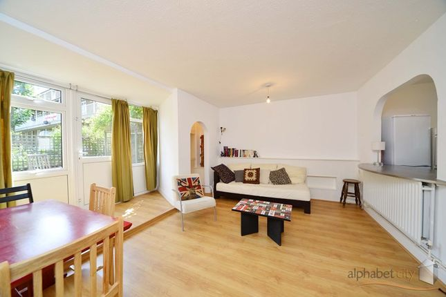 Thumbnail Flat to rent in Hind Grove, Docklands