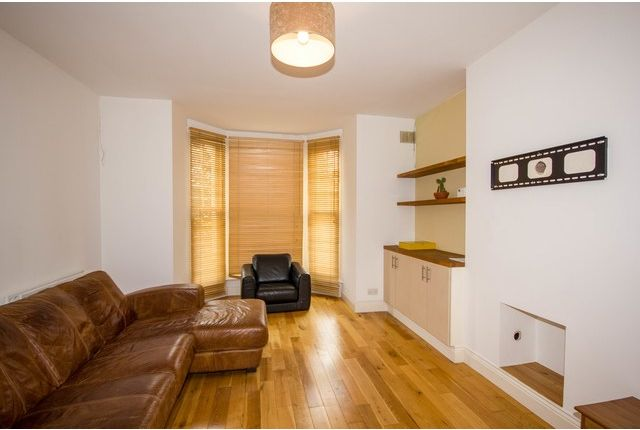 Thumbnail Flat to rent in Park Avenue, Wood Green, London