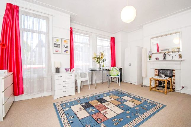 Thumbnail Terraced house for sale in Colney Hatch Lane, Muswell Hill