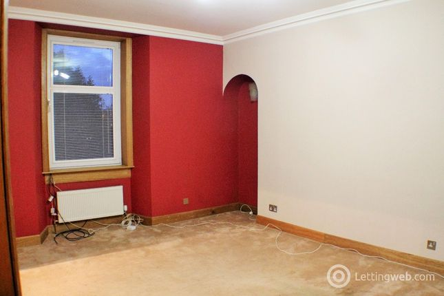Thumbnail Flat to rent in James Street, Dunfermline, Fife