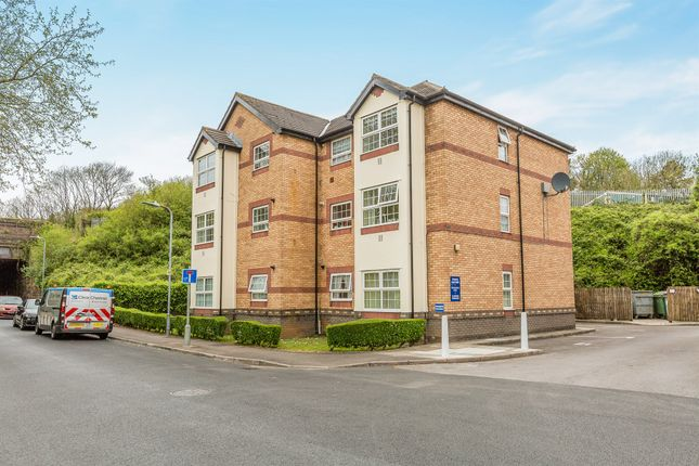 2 bed flat for sale in Andrew Road, Penarth