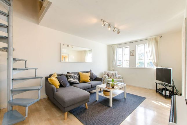 2 bed flat for sale in Mile End Road, Mile End